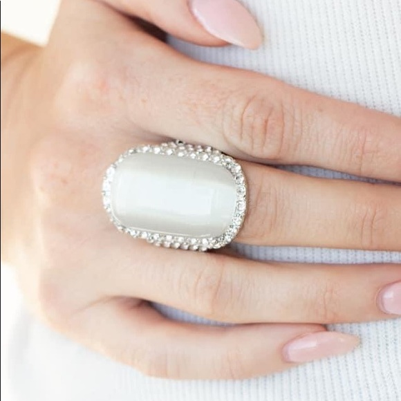 Paparazzi LOP BLING RING